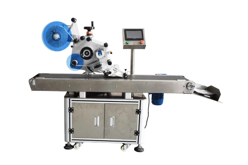 Automatic flat-surface labeling machine