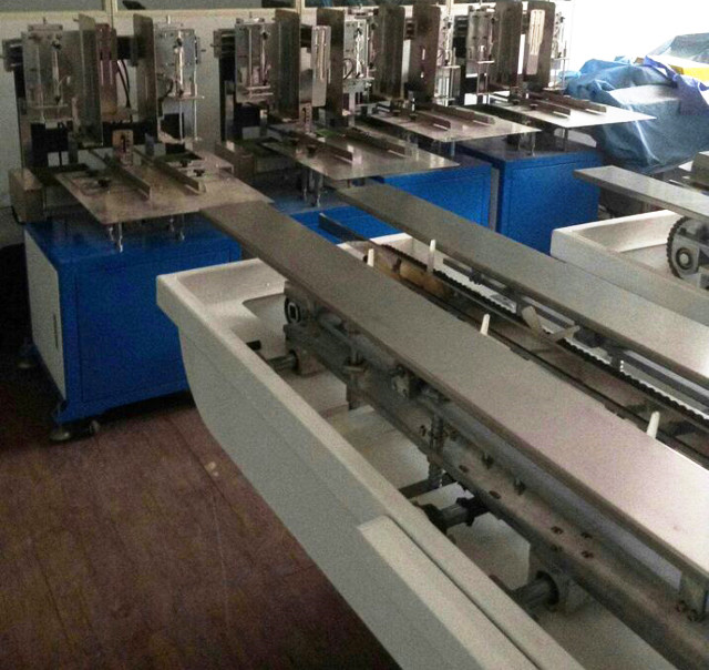 Hot melt glue box sealing machine in workshop