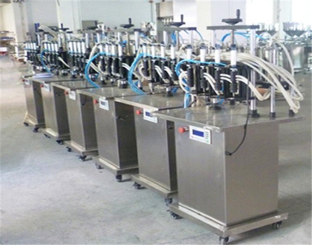 4 Heads Semi Automatic Filling Machine for Perfume