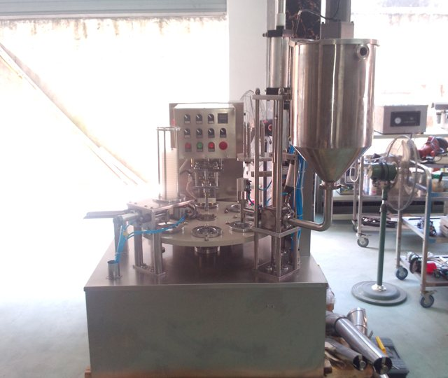 automatic rotary type plastic cup sealing machine