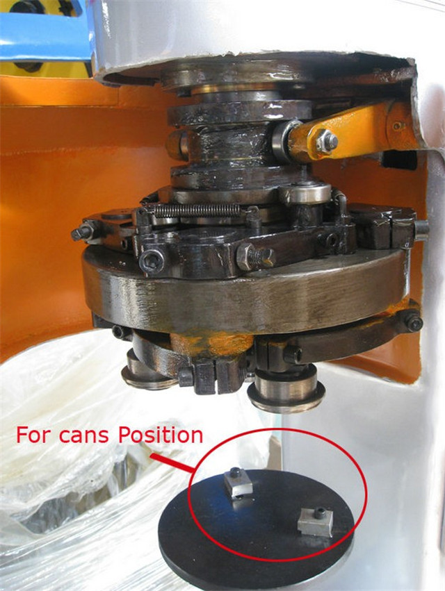 sealing heads for the metal cans sealing machine