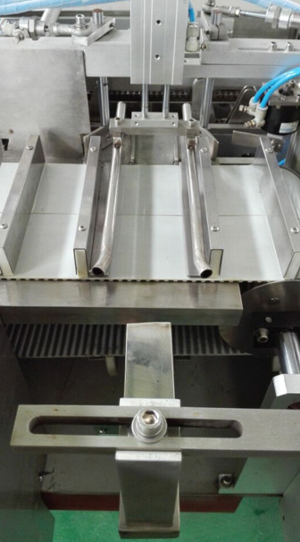 Loading product system of intermittent motion cartoner SBM-CM30:80TC