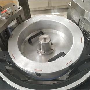 Labeling rotating drum