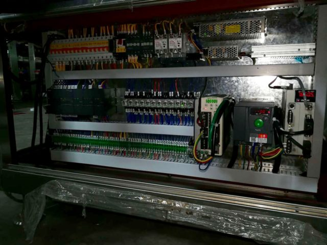 Internal electronic components of hot melt glue labeling machine model SBM-HMGL400