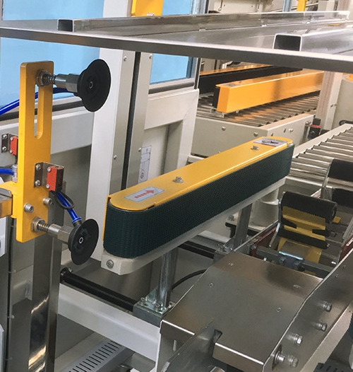 Pick and Place device of case erector and bottom case sealer