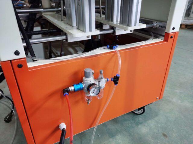 Hot melt glue box sealing machine detail photo