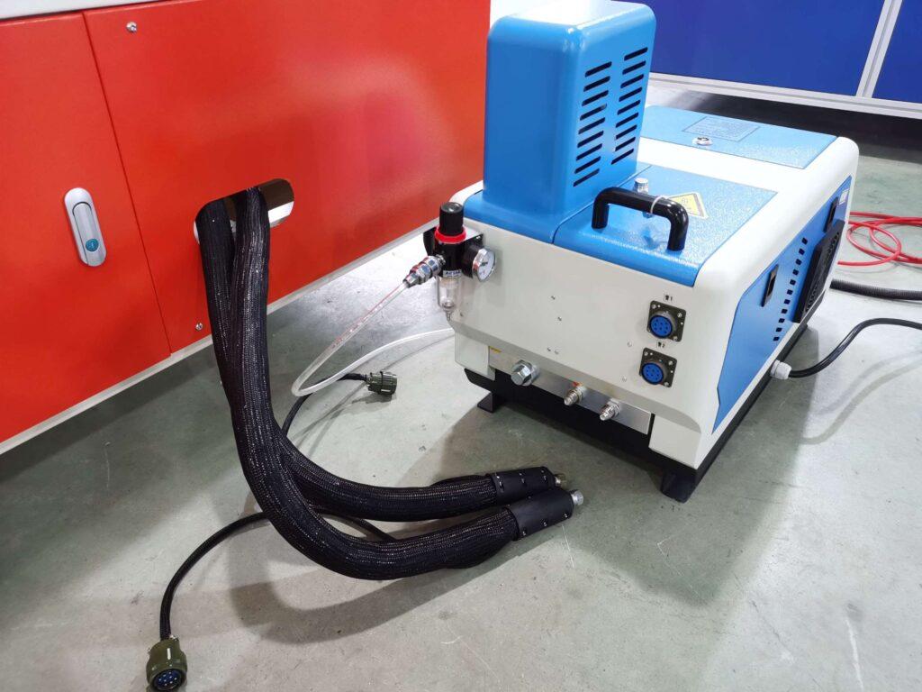 Hot melt glue melter for the box sealing machine
